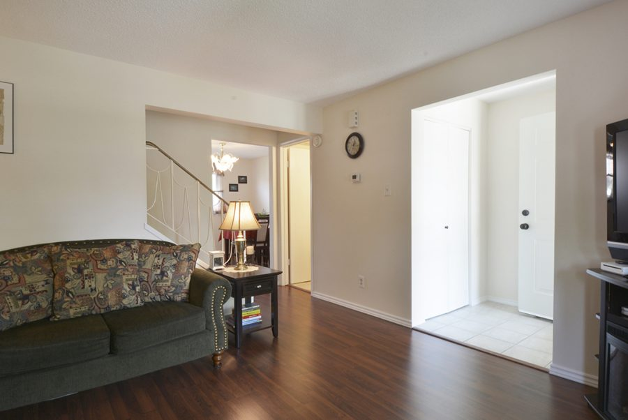 10010-172-Ave-Greatroom2