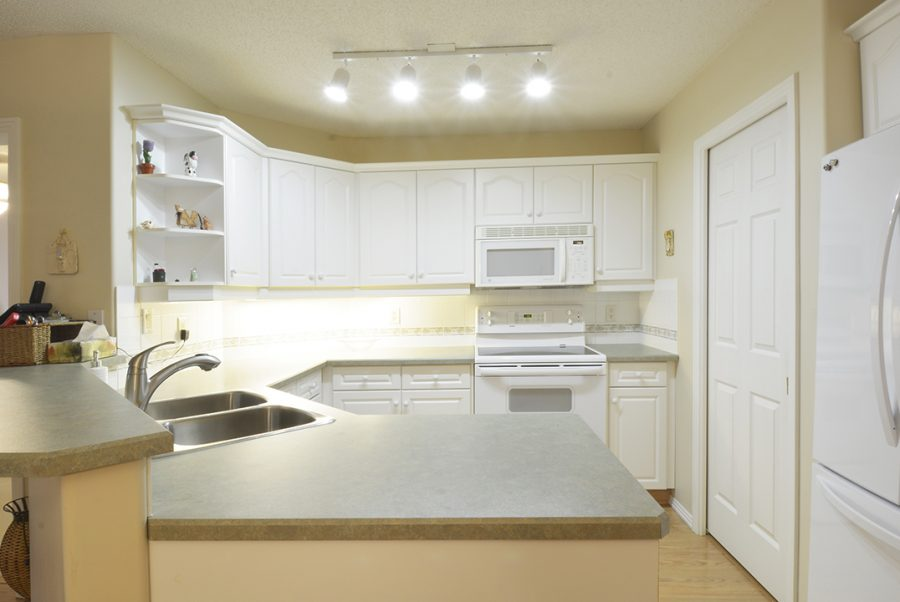 122-9730-174-street-kitchen4