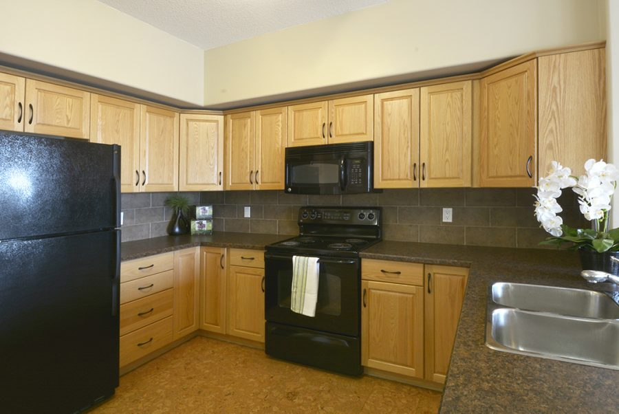 404-45-inglewood-drive-kitchen-5