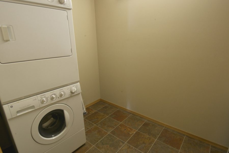404-45-inglewood-drive-laundry-room
