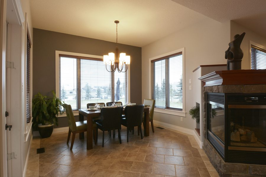 282-estate-way-crescent-dining2