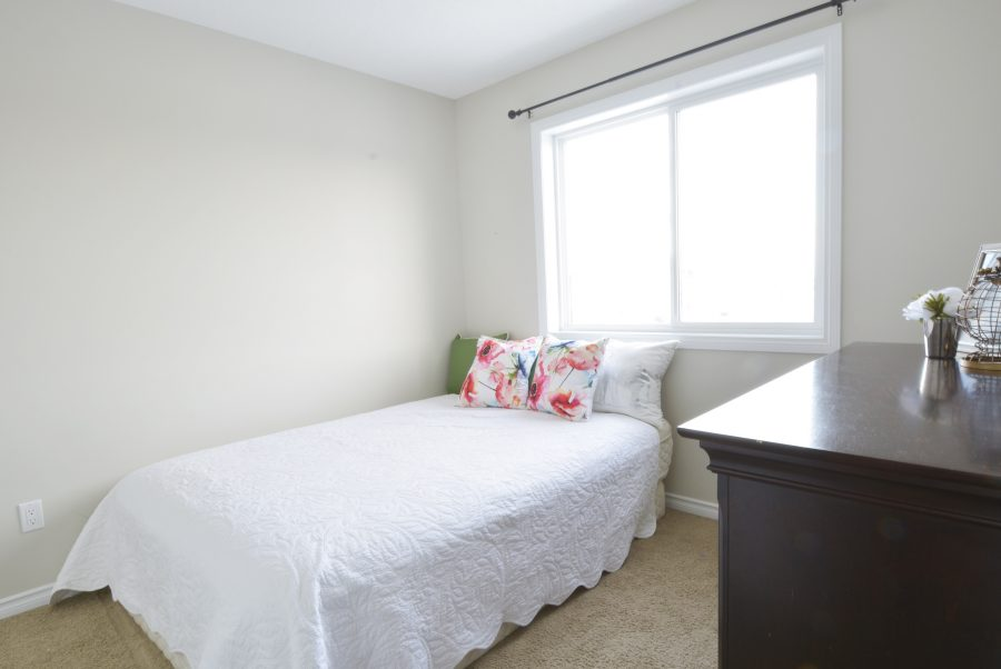9810-105-ave-bedroom2