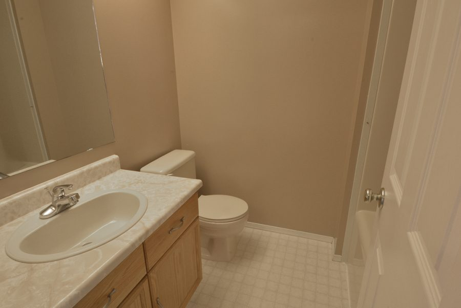 3816 48 Street Upstairs Bath