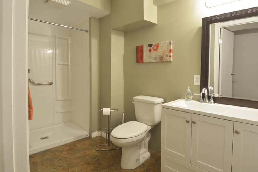 38, 10 Grange Drive Basement Bathroom