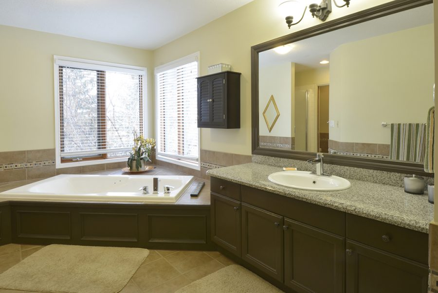 6 Keating Point Master Ensuite2