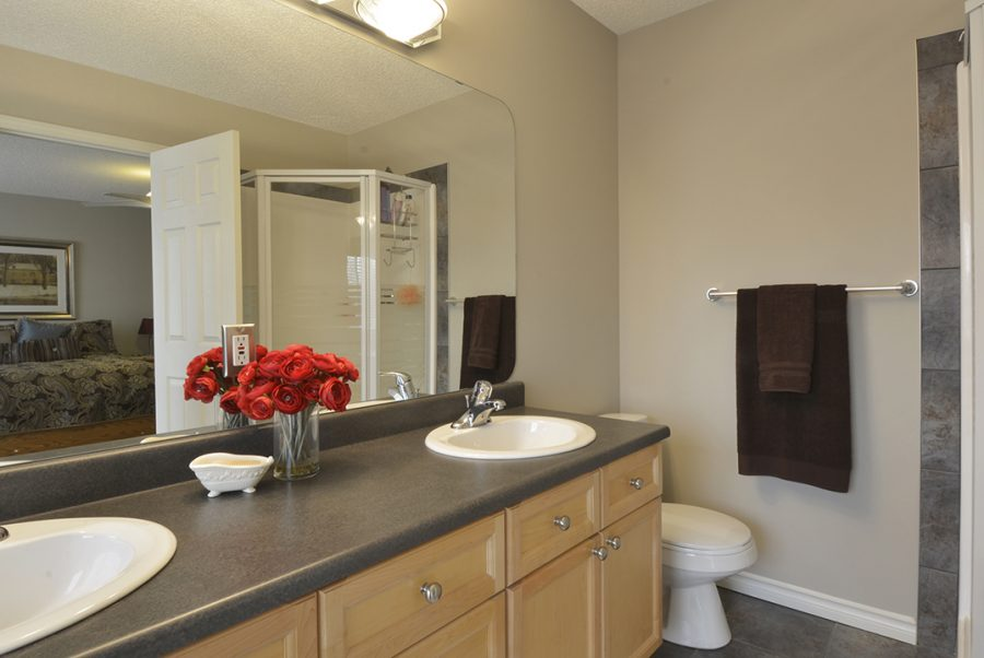 10 English Way Master Ensuite1