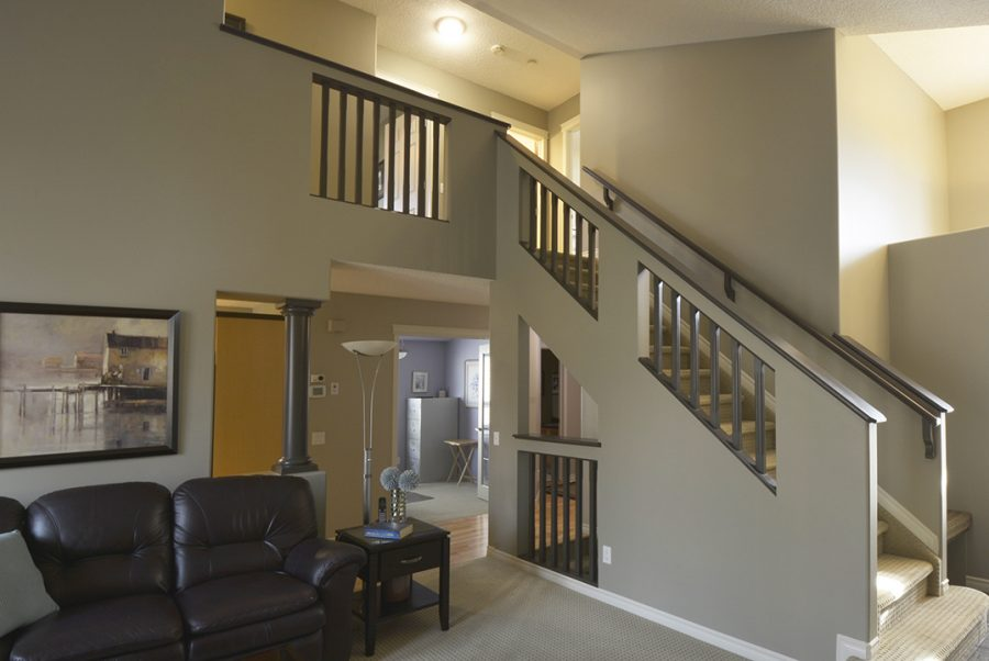 10 English Way Staircase