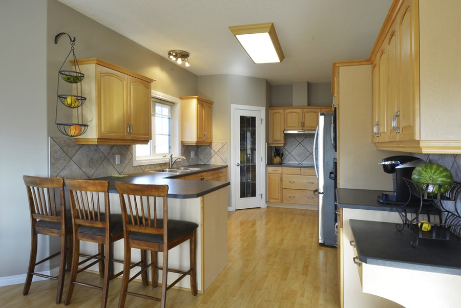 53415 RR262 Kitchen2