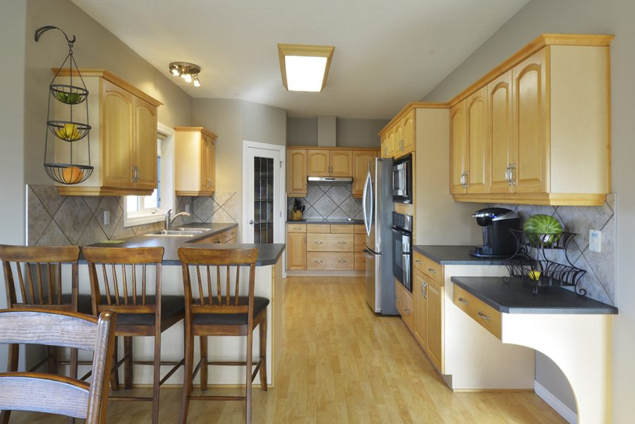 53415 RR262 Kitchen3