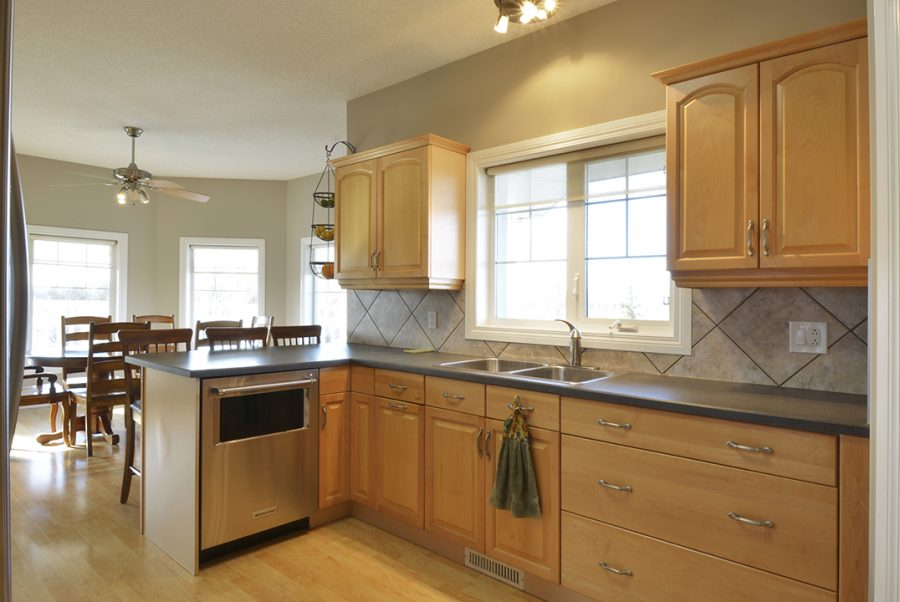 53415 RR262 Kitchen6