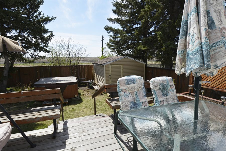 10207 95 Morinville Backyard4