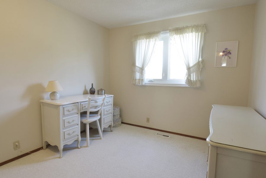 33 Woodcrest BEdroom2-2