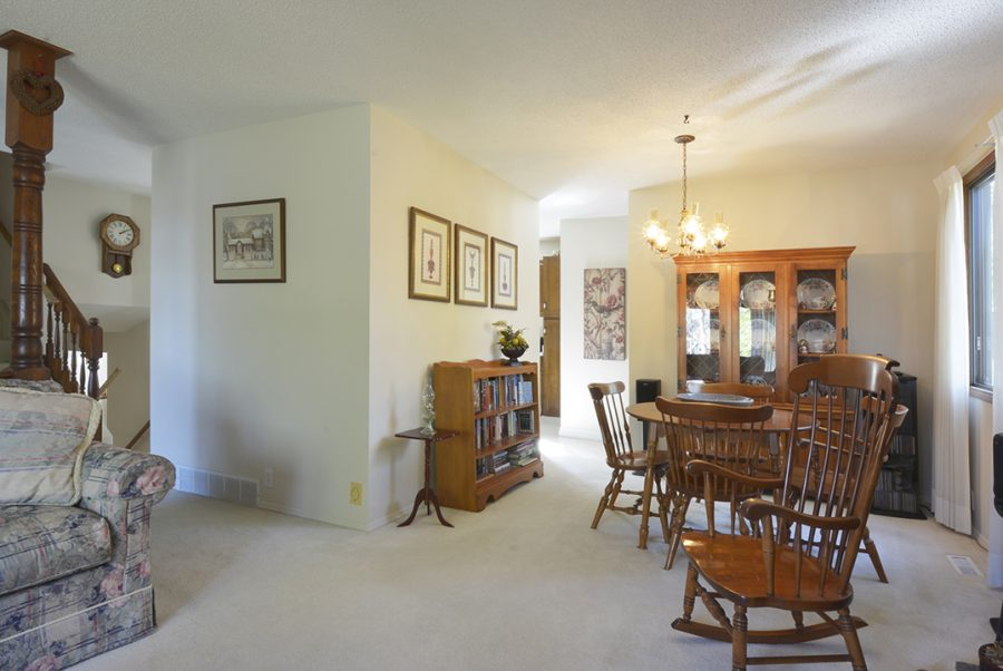 33 Woodcrest Greatroom1