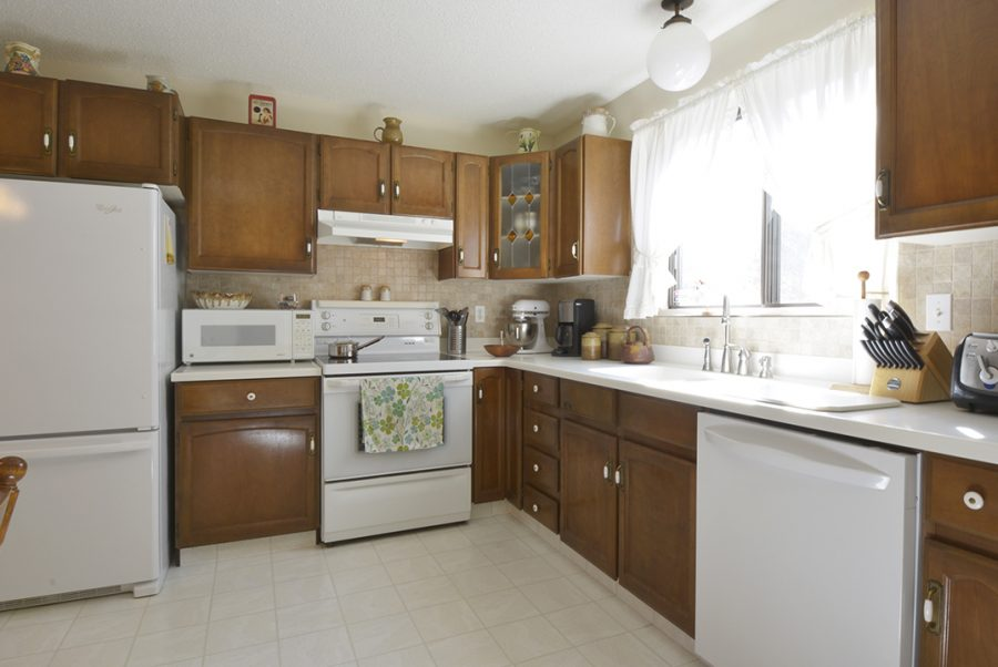 33 Woodcrest Kitchen1