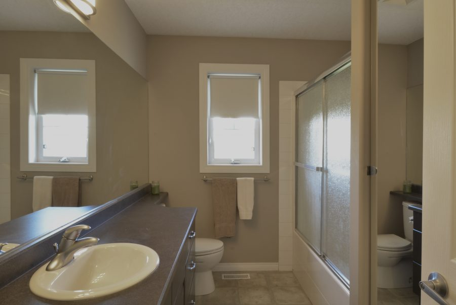 53415 RR262 Upstairs Bath NEW