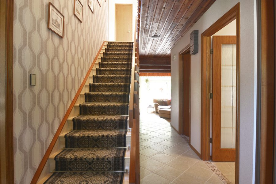 43 Lindbergh Crescent Staircase1