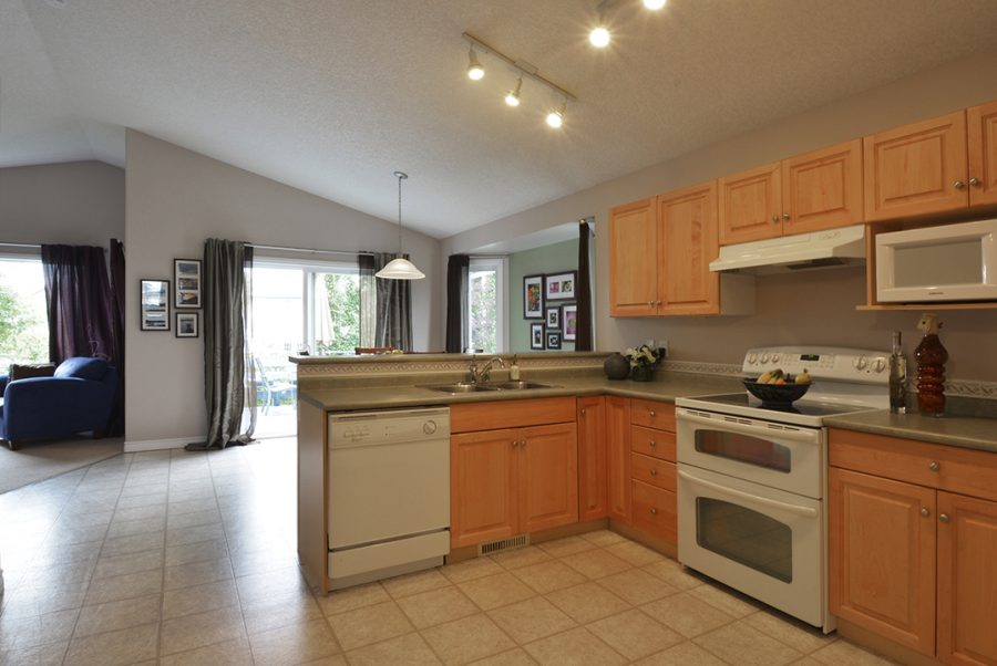 17216 83 Street Kitchen2