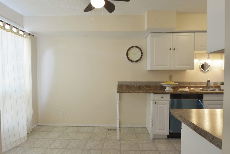 284 Grandin Village Kitchen1