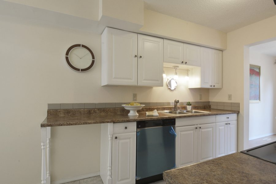 284 Grandin Village Kitchen2