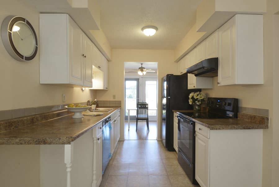 284 Grandin Village Kitchen3
