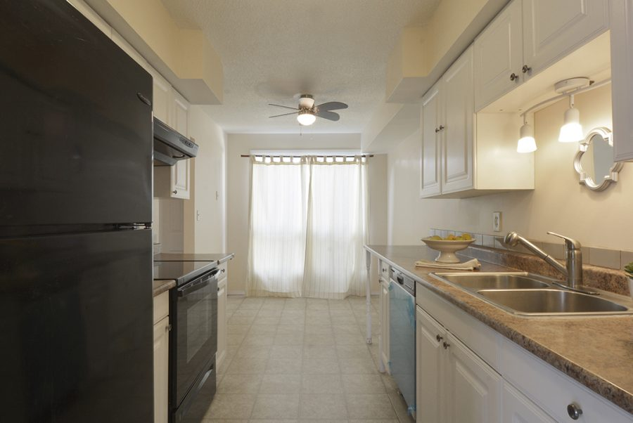 284 Grandin Village Kitchen4