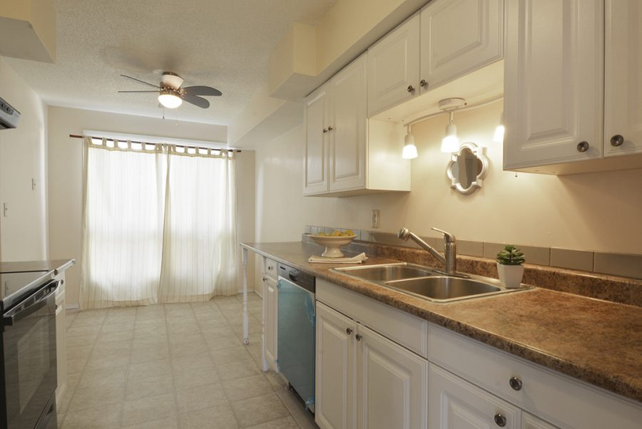 284 Grandin Village Kitchen5